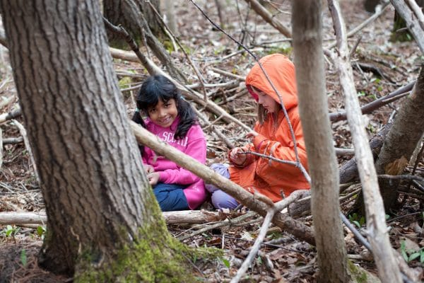 Forest school. Crédit: Child and Nature Alliance of Canada (https://childnature.ca)Forest school. Crédit: Child and Nature Alliance of Canada (https://childnature.ca)